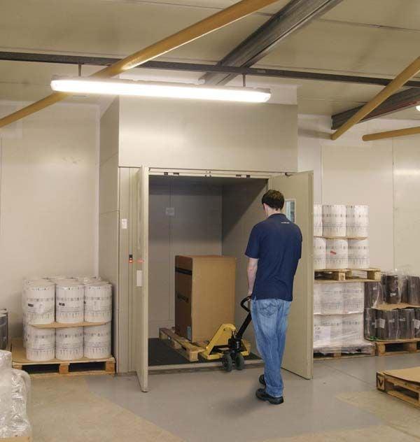 Customs Goods Lift 500kg-3000kg